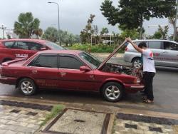 Chưa nộp phí đường bộ vì xe chưa hết hạn kiểm định có bị phạt không
