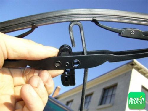 Hướng dẫn cách thay chổi gạt nước cho ôtô