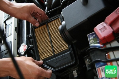 Cách thay lọc gió động cơ xe hơi
